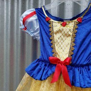 Princess dress, snow white Disney size 4-6